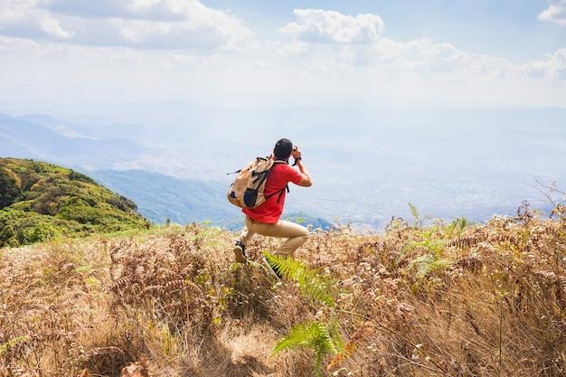 Caminhante, levando, foto, paisagem