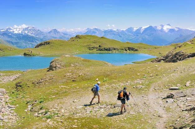 Caminhante na bela montanha