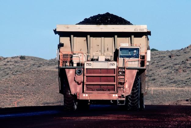 Caminhão de carvão