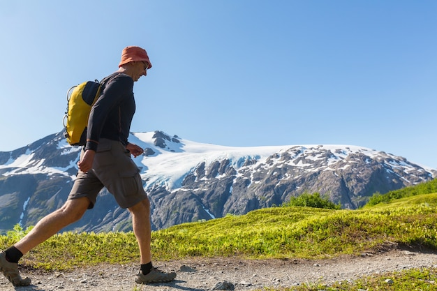 Caminhe no alasca no verão