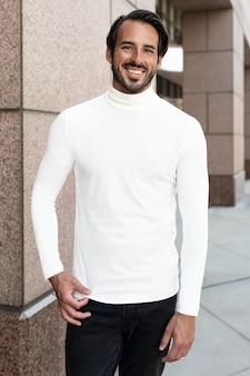Camisa de gola alta simples branca estilo de rua moda masculina