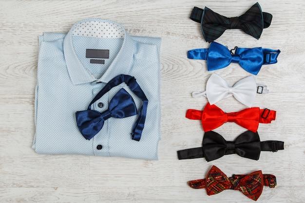 Camisa e diferentes laços