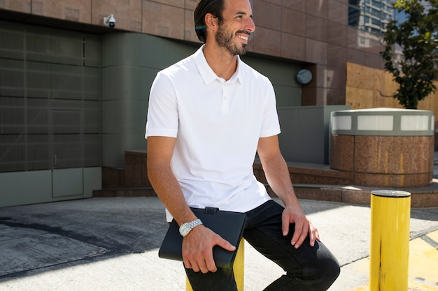 Camisa polo branca estilo de rua masculino moda roupas fotos