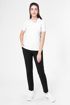 Camisa polo branca feminina casual de corpo inteiro