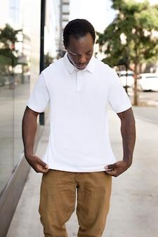 Camisa polo branca masculina, traje casual masculino