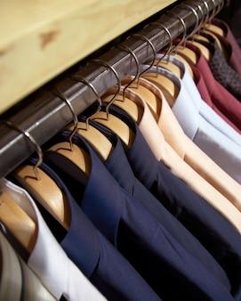 Camisas de cabide para homem