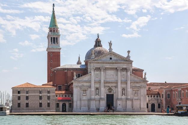 Campanário de san marco e palácio dodge em veneza, itália