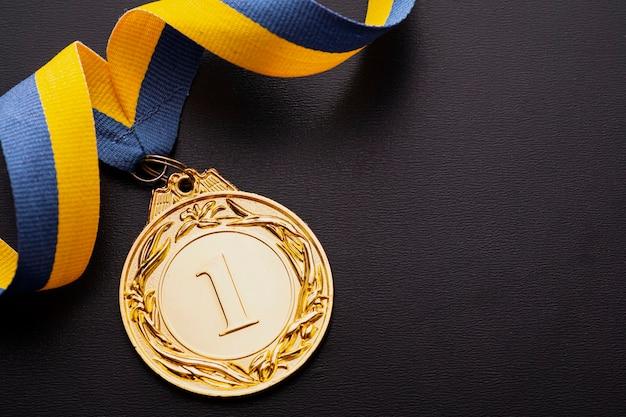 Campeão ou medalhão de ouro vencedor do primeiro lugar