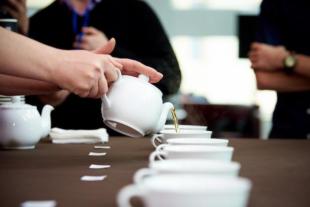 Campeonato entre casas de café.