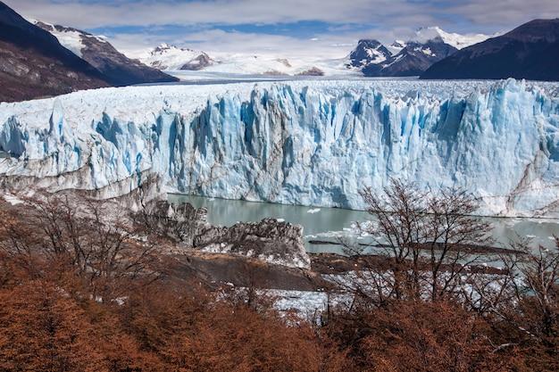 Campos congelados da geleira perito moreno
