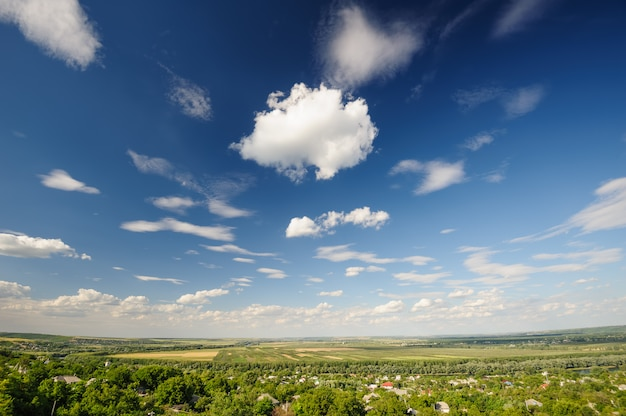 Campos rodoviários e agrícolas na moldávia