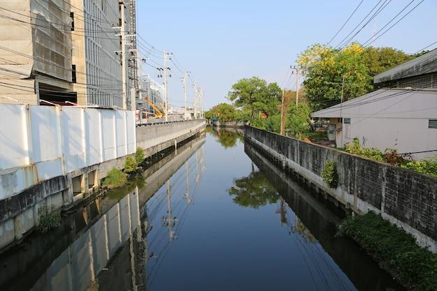 Canal da cidade em bangkok tailândia
