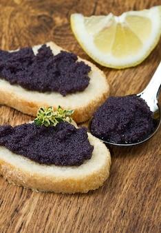 Canape caviar