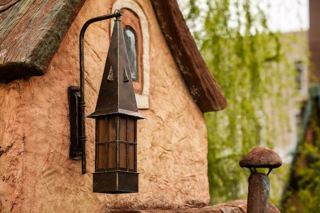 Candeeiro de rua antigo candeeiro de ferro forjado antigo