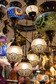 Candeeiros turcos orientais multicoloridos feitos à mão tradicionais