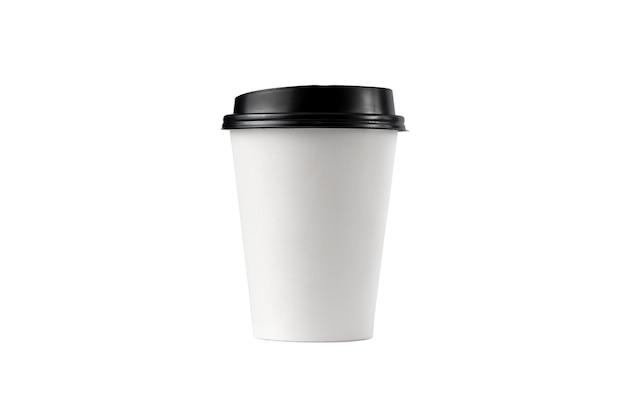 Caneca de café em papel branco com tampa preta