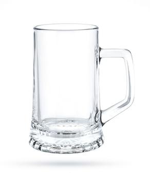 Caneca de cerveja vazia isolada no branco