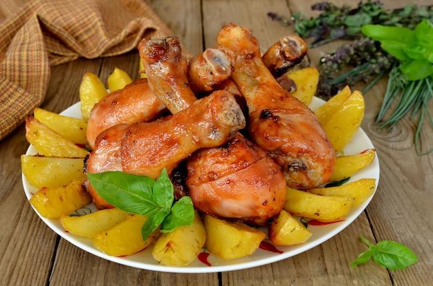 Caneleiras de frango assadas com batata