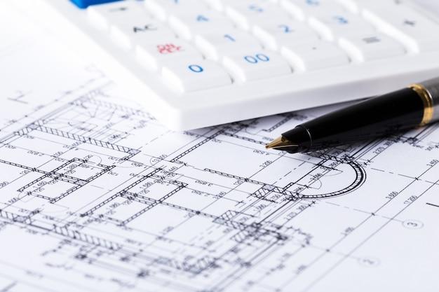 Caneta e projetos arquitetônicos