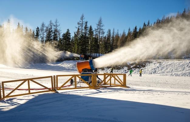 Canhão de neve em ação