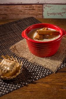 Canjica - doces típicos da festa junina brasileira