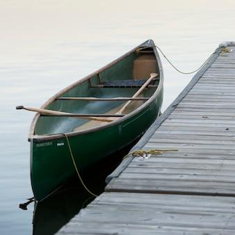 Canoa, por, um, doca, em, lago, de, a, madeiras, ontário