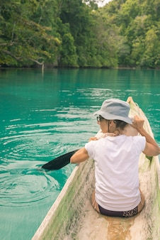 Canoagem entre as ilhas togian