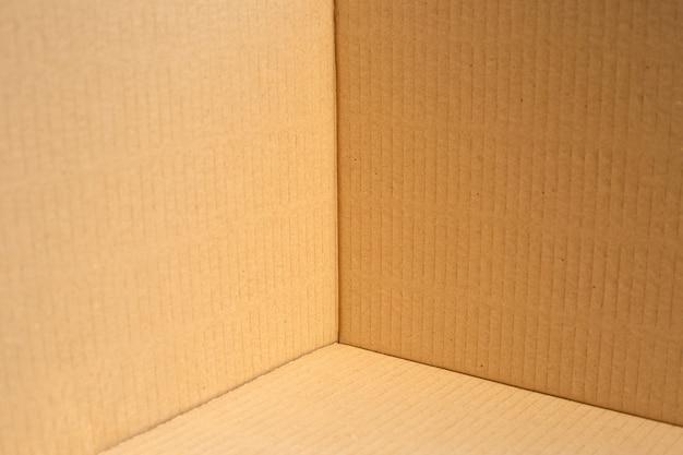 Canto de caixa de papelão marrom