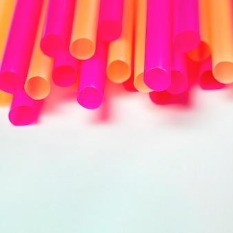 Canudos de plástico biodegradáveis de alto ângulo