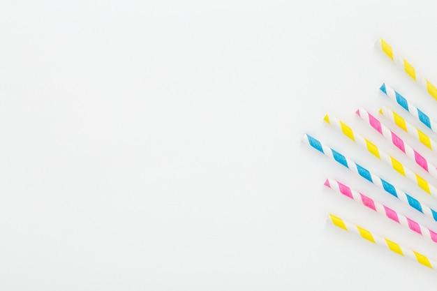 Canudos de plástico para espaço de cópia
