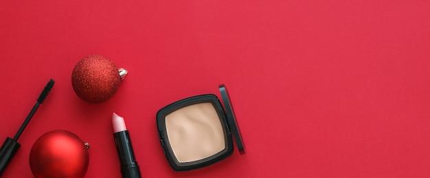 Capa de blog de moda de marca cosmética e maquiagem de conceito de glamour feminino e conjunto de produtos cosméticos para ...