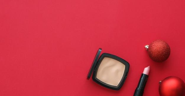 Capa de blog de moda de marca cosmética e maquiagem de conceito de glamour feminino e conjunto de produtos cosméticos para ... Foto Premium