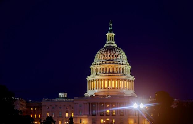 Capitólio dos estados unidos e o edifício do senado, washington dc eua à noite
