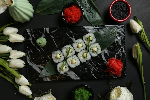 Cappa maki pepino arroz gengibre wasabi