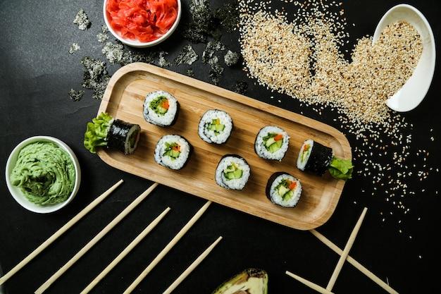 Cappa maki pepino arroz gergelim gengibre wasabi