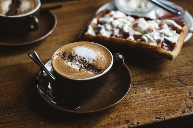 Cappuccino com waffle