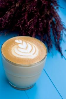 Cappuccino na cafeteria