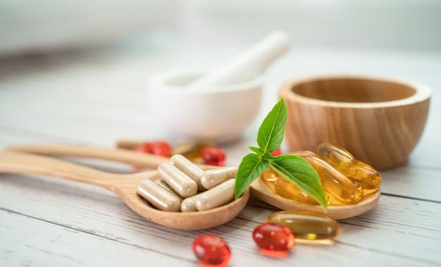 Cápsula de ervas orgânicas de medicina alternativa com vitamina e ômega 3, medicamento mineral de óleo de peixe