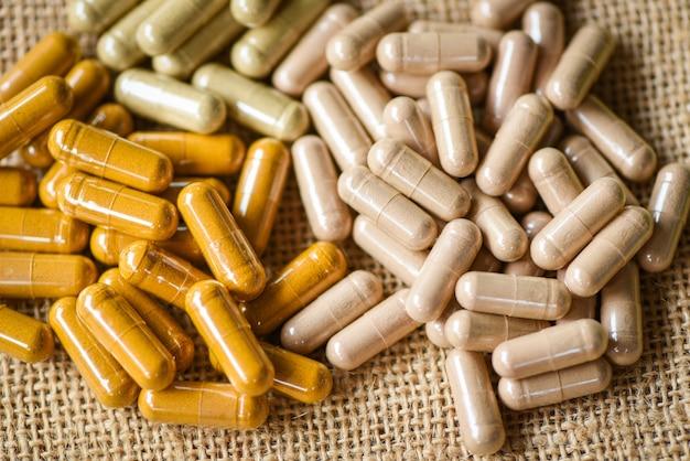 Cápsulas de ervas medicinais