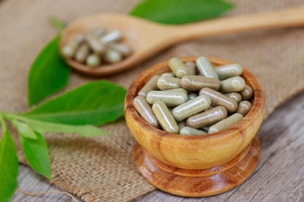 Cápsulas ervais do suplemento da erva para comer saudável
