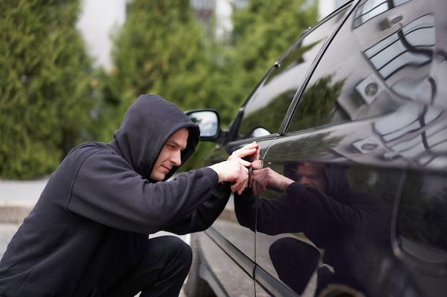 Car hijacks auto ladrão balaclava preta