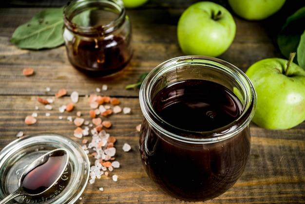 Caramelo salgado caseiro com maçãs