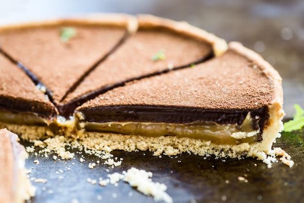 Caramelo salgado e tarte de chocolate