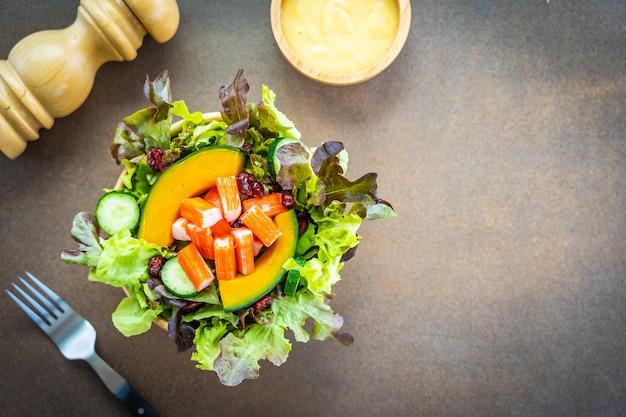 Carangueijo, varas, carne, com, fresco, vegetal, salada