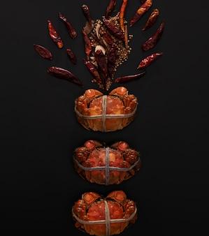Caranguejo peludo de xangai cozido ou caranguejo chinês (eriocheir sinensis)