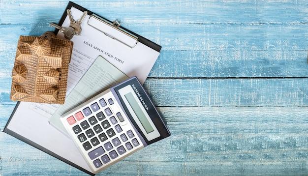 Carga doméstica e investimento imobiliário real.