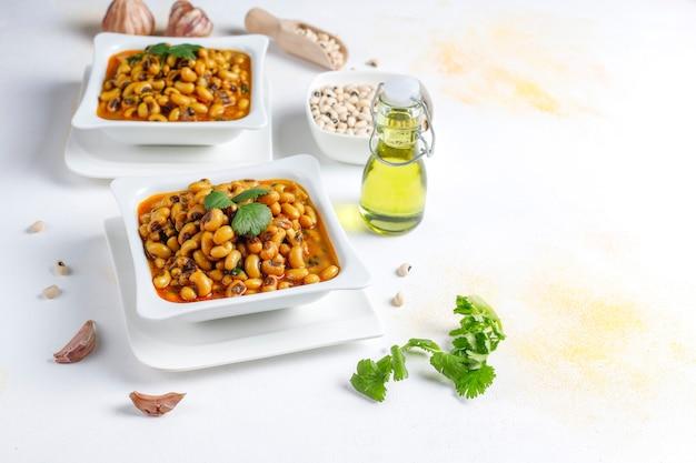 Caril de feijão preto, culinária indiana. Foto gratuita
