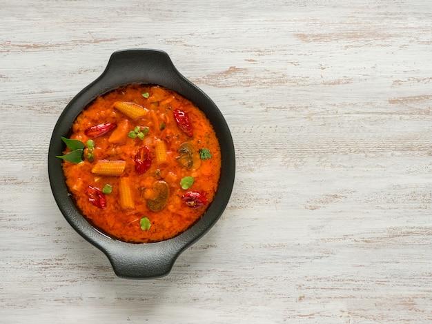 Caril de vegetais de goa, comida indiana.