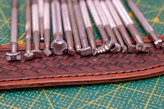 Carimbos de ferramentas manuais para couro