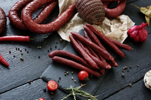 Carne com tomate e tomilho